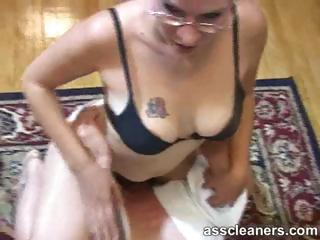Blonde Mistress' Exploitative Nuisance Chink Is Cleaned At The End Of One's Tether Man's Tongue